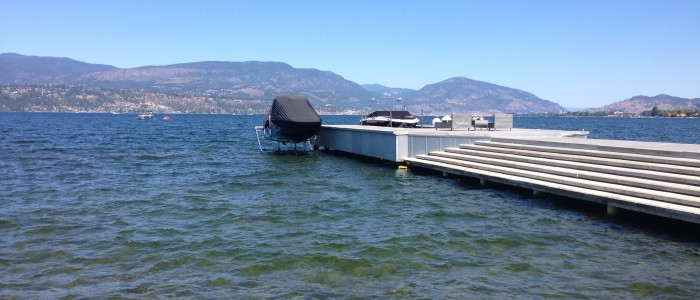 8,000 lb Hydraulic Boat Lift with Automatic Cover