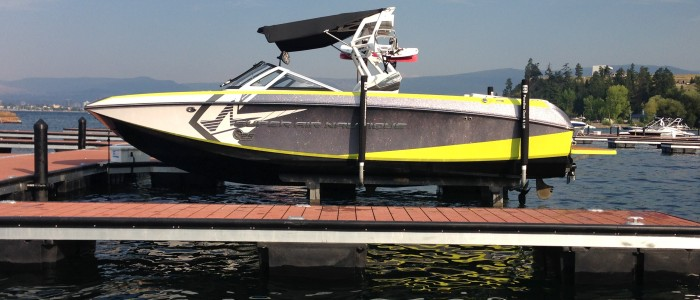 Nautique G25 on SL8 in West Harbour, Kelowna, BC