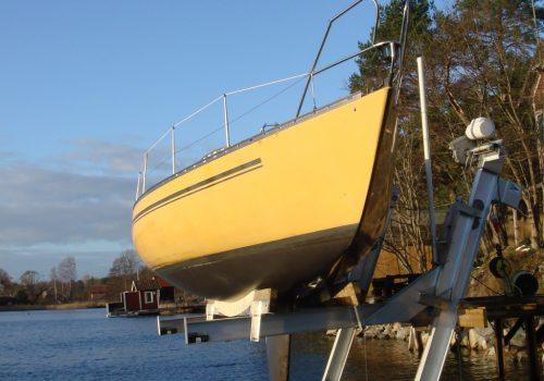 Elevator-Sail-Boat